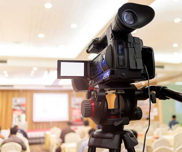 video-camera-set-record-audience-conference-hall-seminar-event-company-meeting-exhibition-convention-center-corporate-announcement-public-speaker-journalism-industry